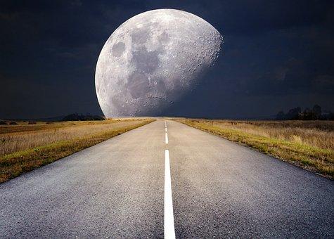 moon-2285627__340