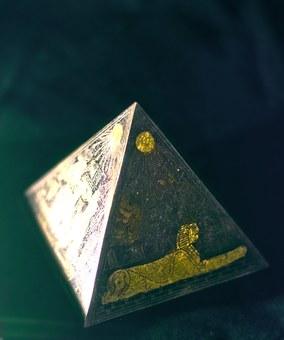 pyramid-469275__340