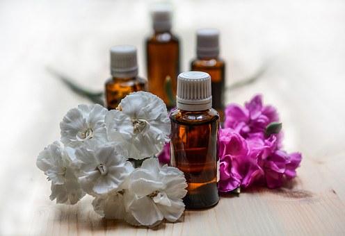 essential-oils-1433692__340