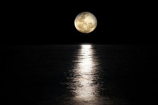 moon-2762111__340 (1)