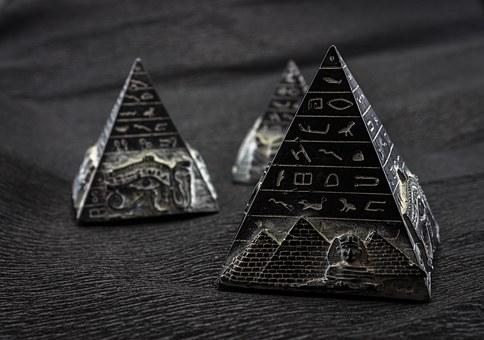 pyramid-1484603__340