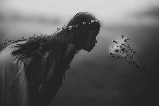 young-girl-1149701__340
