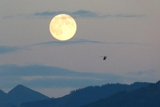 full-moon-460316__340.jpg