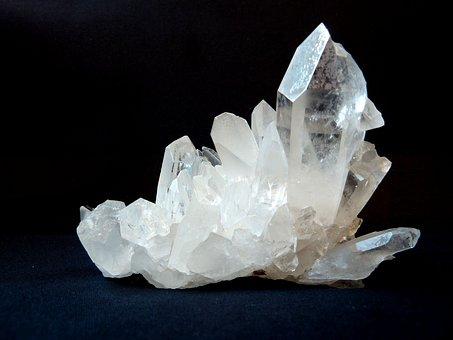 rock-crystal-1603480__340 (1)