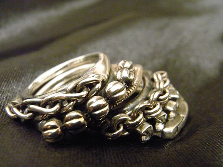 silver-ring-2790865__340